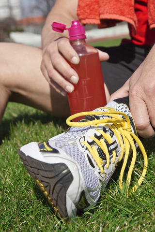 Are You Confused About Sports Drinks, Hydration, & Endurance Training?